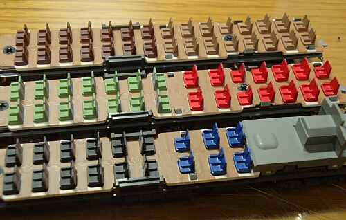 カトー 883系「ソニック」リニューアル車の車内加工_f0037227_23445470.jpg