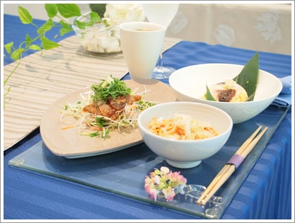 紫陽花で爽やかなおもてなしコーディネート♪ ~テーブル&フードクラス_d0162543_0294156.jpg