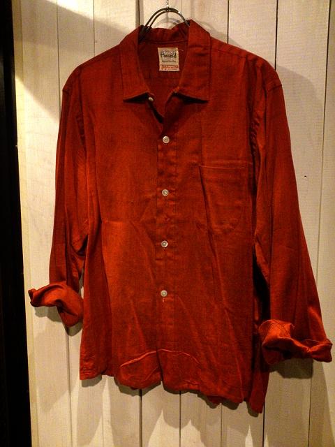 赤いシャツの着こなし方!_b0247211_2120455.jpg