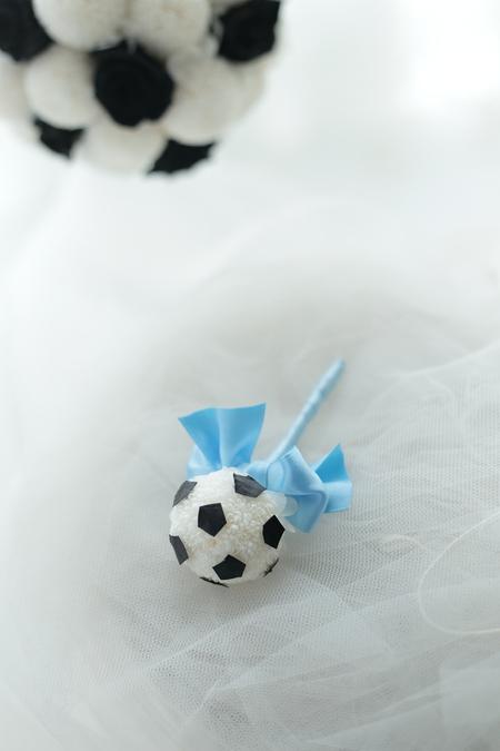 川崎フロンターレのサッカーボールのブーケ と ブートニア  横浜へ_a0042928_22372961.jpg