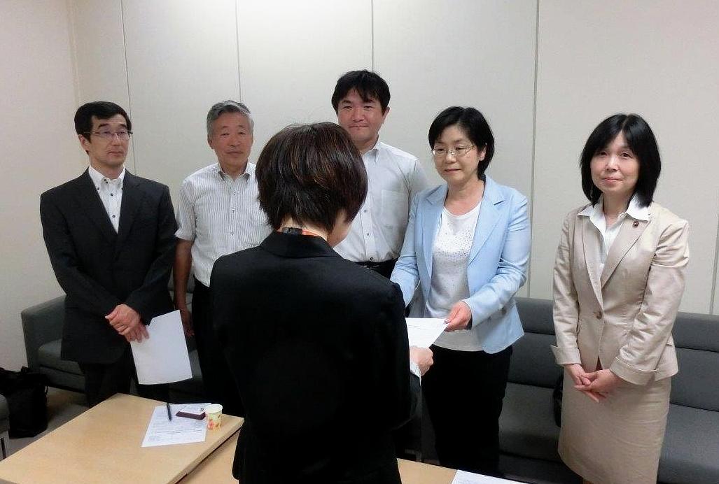 5つの共産党市議団が連名で東京都に申し入れ_b0190576_075888.jpg