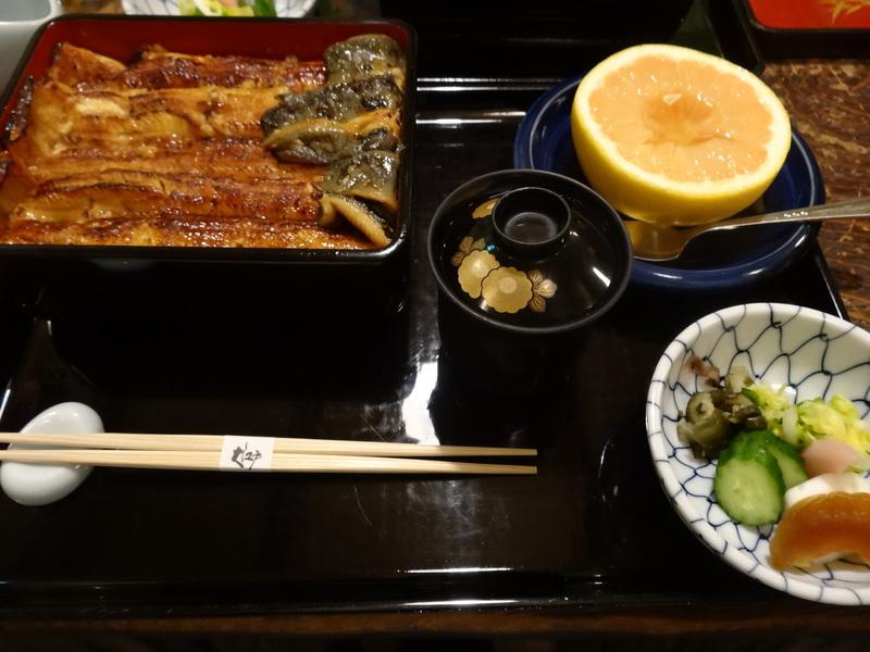 日本橋で大好きな鰻屋さん、飛び切り大好きな筏があります。_c0225997_3284998.jpg