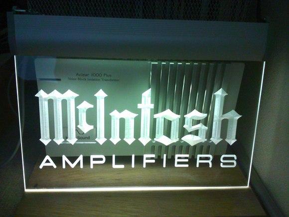 マッキントッシュの販促用LEDパネル_b0109511_10574071.jpg