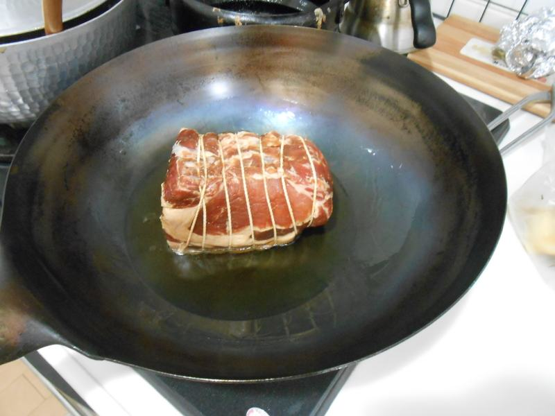 お役立ちの常備菜ですが、贅沢にアグー豚のチャーシューだ!_a0095931_18561553.jpg