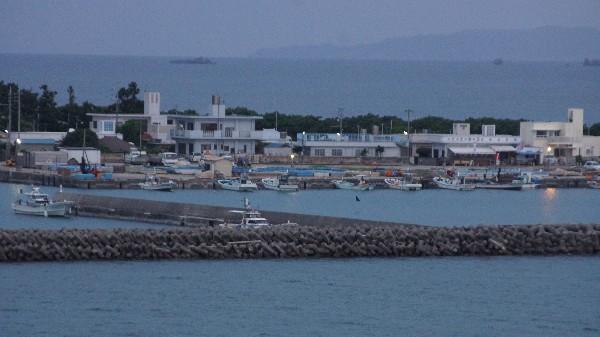 浜漁港_e0166355_06183335.jpg