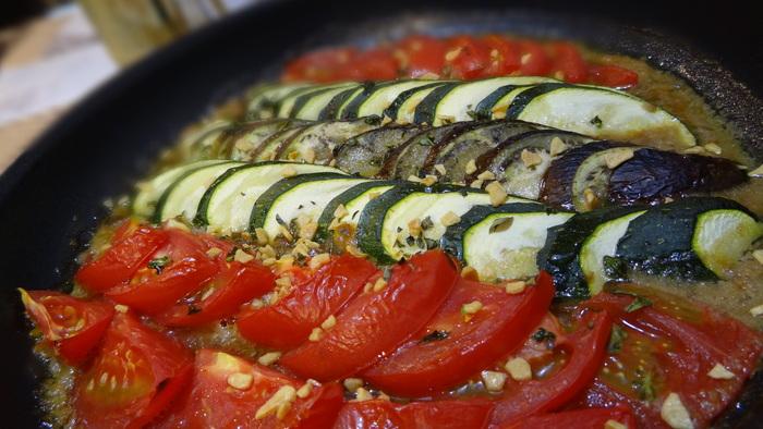 豚のリエットと夏野菜のバイエルディ_b0290816_14162736.jpg