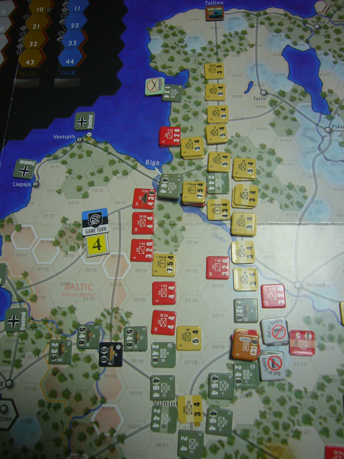 恨み尽きせぬ蛮族を The Dark Valley(GMT)1944開始キャンペーンその④_b0173672_2237257.jpg