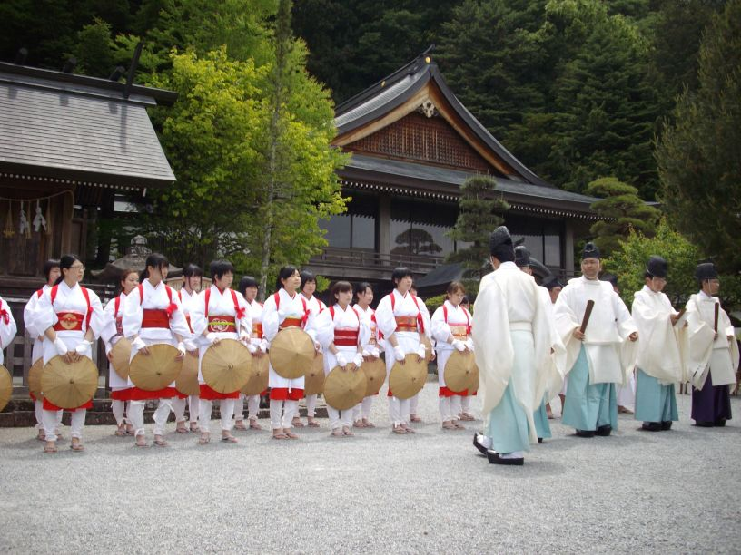 諏訪大社・御田植祭_b0329588_17042176.jpg