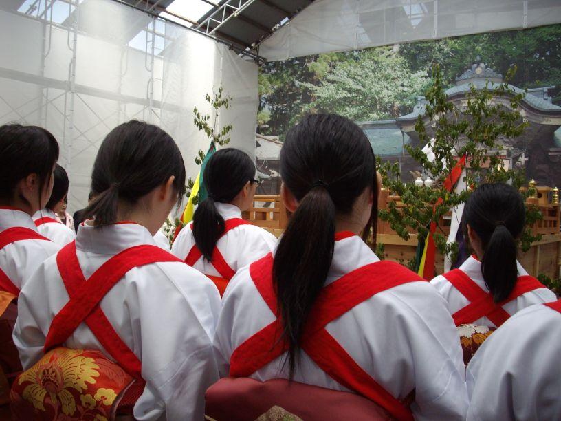 諏訪大社・御田植祭_b0329588_17042965.jpg