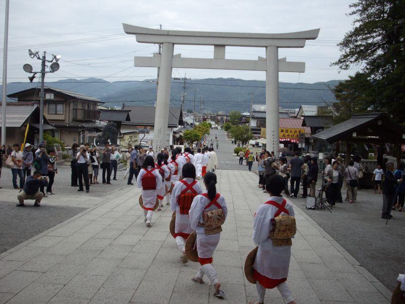 諏訪大社・御田植祭_b0329588_17043659.jpg
