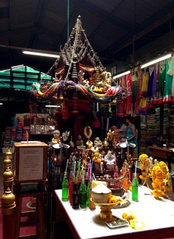 バンコクのインド人街 (パフラット地区)①_d0156336_23253575.jpg