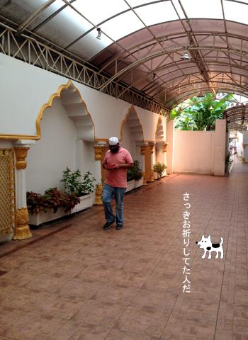 バンコクのインド人街 (パフラット地区)①_d0156336_2335715.jpg