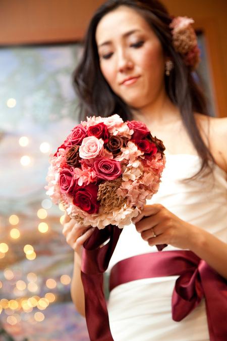 新郎新婦様からのメール 赤バラと白磁の装花 メゾン・ポールボキューズ様へ_a0042928_2134482.jpg
