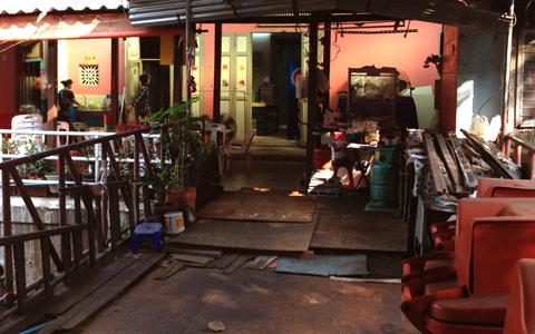 バンコクのインド人街 (パフラット地区)①_d0156336_083293.jpg