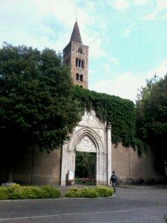 福音史家聖ヨハネ教会(ラヴェンナ)_a0169172_8415885.jpg