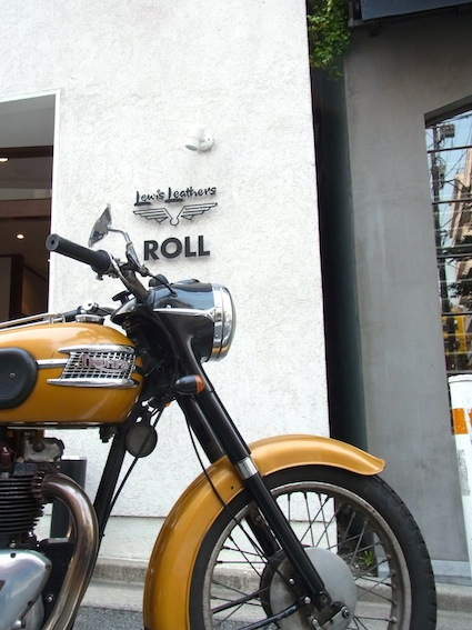 ROLL / LEWIS LEATHERS EXHIBITION._a0145275_15274384.jpg