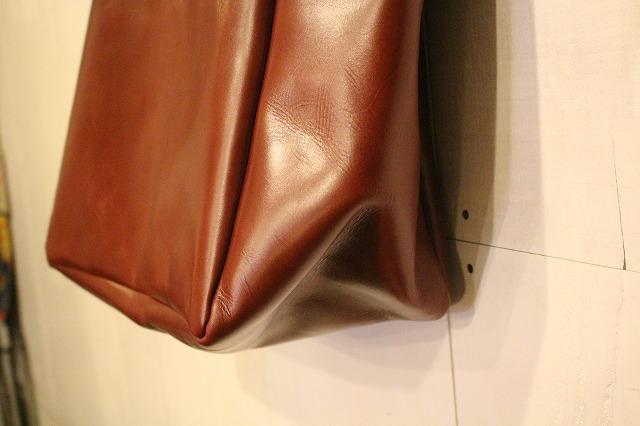 BAA LeatherToteBag_d0121303_1644829.jpg
