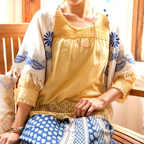 インド刺繍 コットンストール (スクエア)_d0156336_23381316.jpg