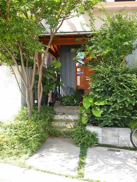 田中敏溥さんが設計した住宅が建ち並ぶまち_b0015157_11342790.jpg