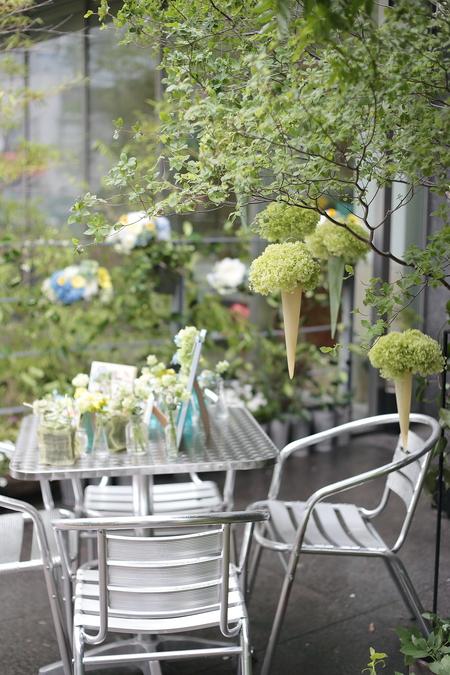 初夏の装花 ひまわりと未来 レストランヒロミチさまへ_a0042928_2222322.jpg