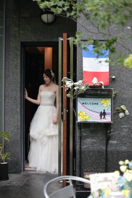 初夏の装花 ひまわりと未来 レストランヒロミチさまへ_a0042928_2223524.jpg