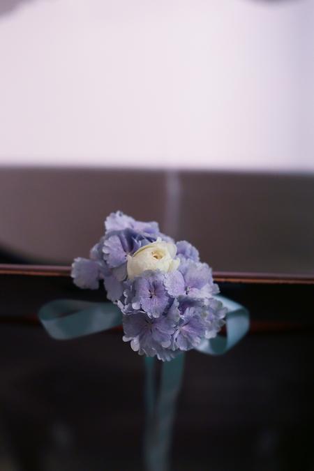 初夏の装花 ひまわりと未来 レストランヒロミチさまへ_a0042928_2224319.jpg