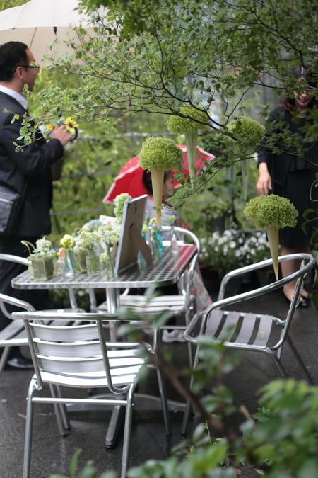 初夏の装花 ひまわりと未来 レストランヒロミチさまへ_a0042928_22274331.jpg