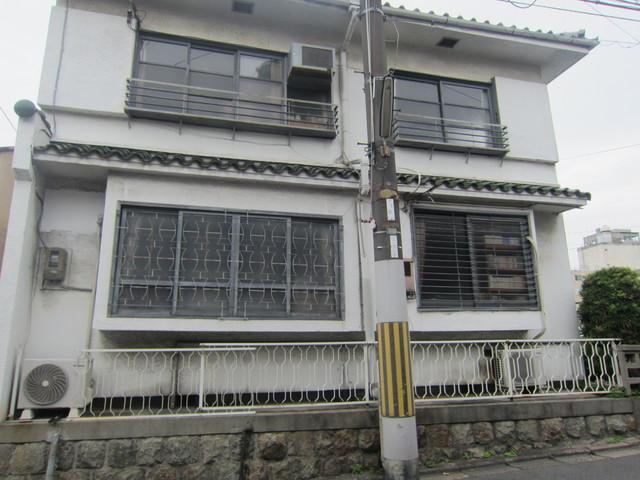 古い建物_b0207631_9324070.jpg