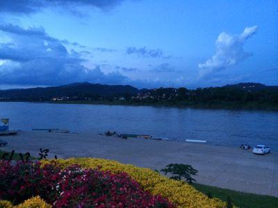 Laos スローボートの旅_f0331651_22553619.jpg