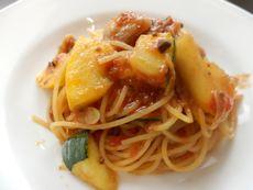 6/8本日パスタ:豚肉とズッキーニ、オリーブトマトソース・スパゲティ_a0116684_11434716.jpg