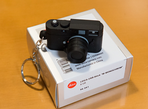 LEICA 100周年記念でウェッツラーに行っていた友人からお土産を貰った!_b0194208_23233914.jpg