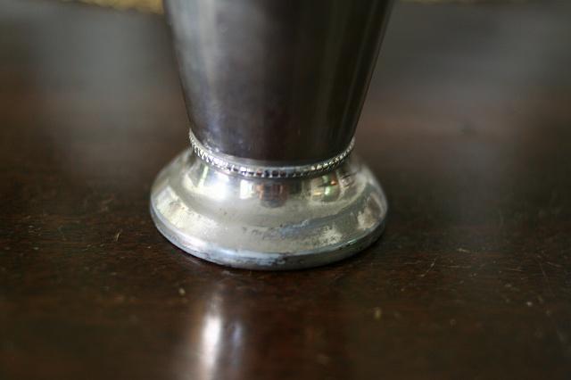 メタルレリーフ付き花瓶  値下げ_f0112550_06492695.jpg