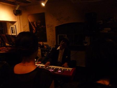 2014-06-09 KANKAWAさんとのトーク&ライヴ_e0021965_00175954.jpg