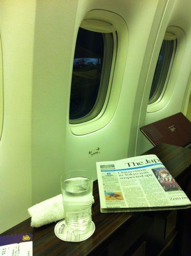 旅日記 クック諸島 2012MAY その2 羽田ーバンコク TG661便_f0059796_2322292.jpg