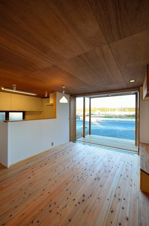 SKさんの家 「とりあえず」完成(2) 居間・食堂_a0039934_17105469.jpg