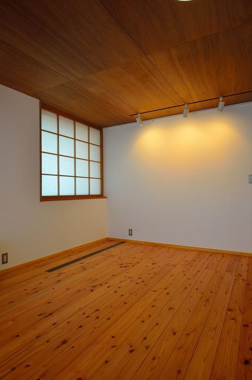 SKさんの家 「とりあえず」完成(2) 居間・食堂_a0039934_1727156.jpg