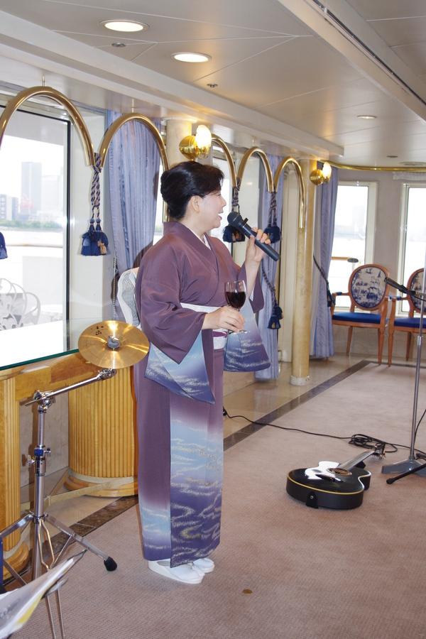 船のパーティ その②_f0140343_17274566.jpg