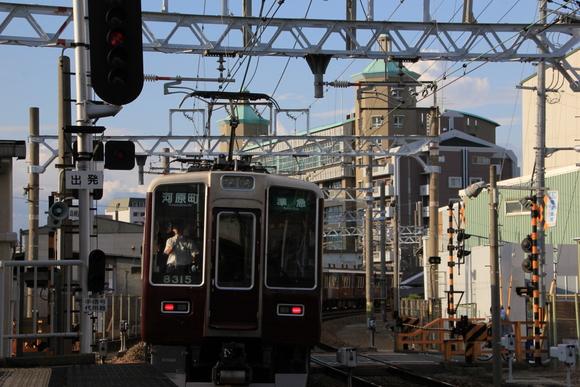 阪急 十三駅にて 撮り鉄_d0202264_23331889.jpg