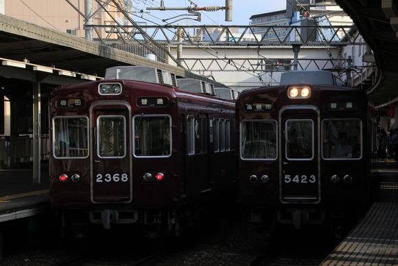 阪急 十三駅にて 撮り鉄_d0202264_23341036.jpg