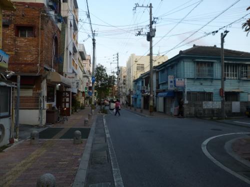 栄町市場 さんぽ♪_c0100865_23402420.jpg