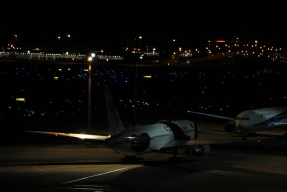 羽田空港国際線レポ  午前0時頃。。_d0202264_21423293.jpg