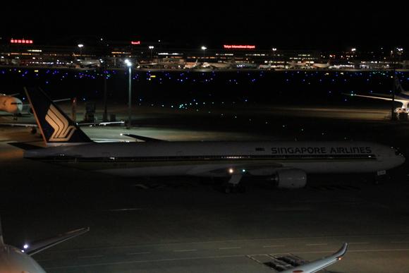 羽田空港国際線レポ  午前0時頃。。_d0202264_21433273.jpg