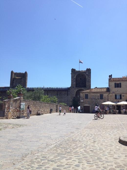 10/06/2014  モンテリッジョーニのもう一つの市壁_a0136671_3464840.jpg