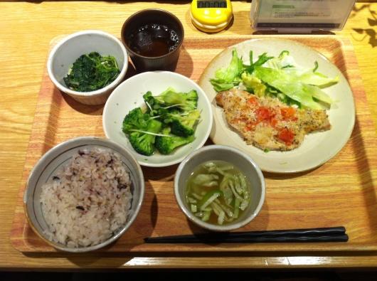 念願のタニタ食堂へ_f0310282_18481751.jpg