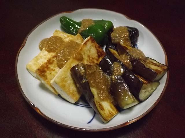 豆腐と野菜のごま味噌かけ_f0019498_1731252.jpg