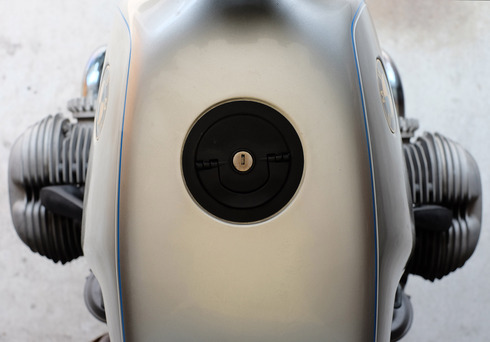 「ベンベがまさしくベンベだったころのベンベ」BMW R65_f0099102_192246.jpg