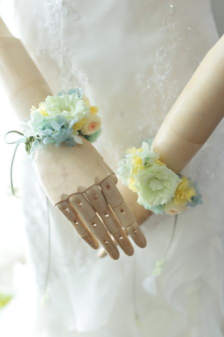 新郎新婦様からのメール お色直しのリストレット 両手首の花 帝国ホテル様へ_a0042928_10261864.jpg