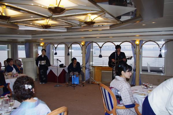 船のパーティ その③_f0140343_12283781.jpg