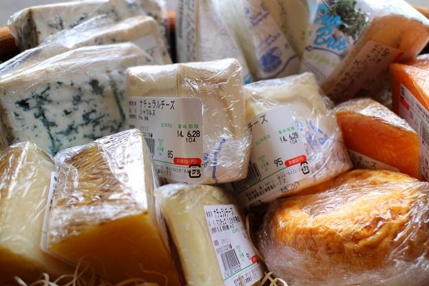 チーズ入荷しました!_b0016474_1511295.jpg
