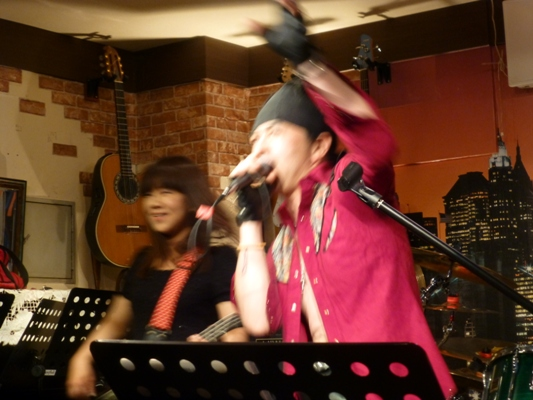 6月7日、Colorful Rainy Season Live@ZOEのライブレポpart1。_e0188087_2323242.jpg